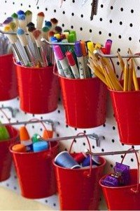 Ideia fofa pra organizar os matrias de artes dos filhoteshellip