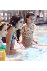 Hoje foi dia de aproveitar piscina Lis Belinha e Amanda!!!hellip